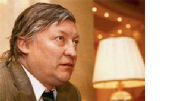 А.Карпов: Не понимаю, как Каспаров, будучи в шахматах диктатором, может в политике рекламировать себя демократом picture