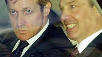 Алистер Кэмпбелл и Тони Блэр в 2001 году
