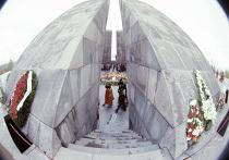 Памятник жертвам геноцида 1915 года