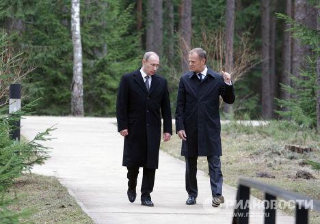 """Владимир Путин посетил мемориальный комплекс """"Катынь"""""""