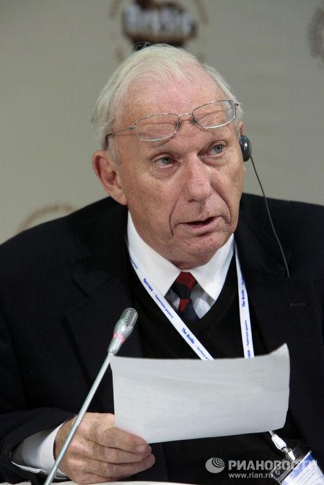 Роберт Корелл