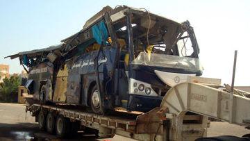 Туристический автобус, попавший в ДТП на трассе Каир-Хургада в Египте