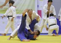 Владимир Путин принял участие в тренировке борцов