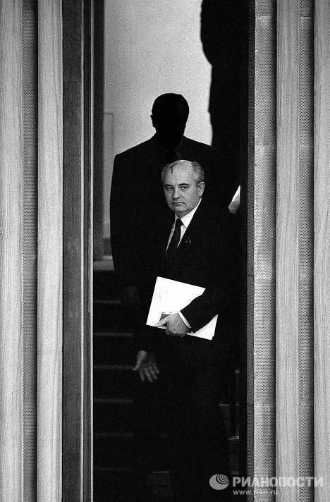 Михаил Горбачев. За час до избрания президентом СССР