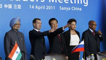 Д.Медведев принял участие в саммите БРИКС в Китае