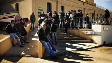 беженцы из туниса получают разрешение на временное проживание