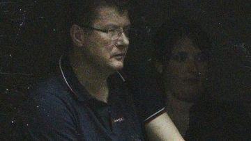 Булат Чагаев наблюдает за тренировкой команды «Ксамакс»