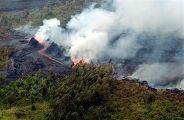 Ньирагонго – действующий вулкан высотой 3469 метров, находится в горах Вирунга в центральной части Африки