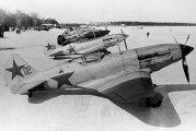 Истребители летного отряда гражданской авиации на аэродроме Внуково в годы войны