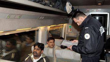 Французские власти возвращают мигрантов