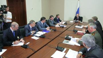 В. Путин провел совещание по вопросу размещения гособоронзаказа