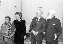 М.С. Горбачев и С.Н. Рерих с супругами в Кремле