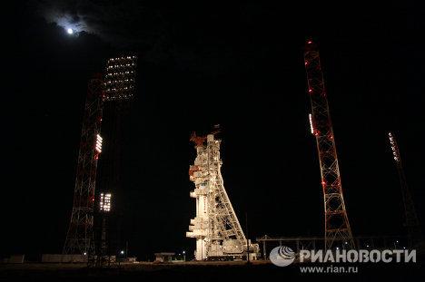 """Пуск ракеты """"Протон-М"""" с российским спутником """"Экспресс АМ-4"""""""