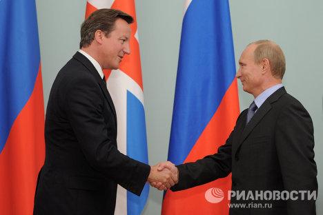 В.Путин провел встречу с Д.Кэмероном