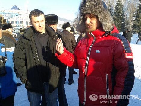Участники акции за отмену выборов в Горно-Алтайске