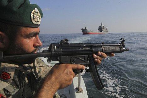 Военные учения Ирана в Ормузском проливе