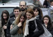 Пострадавшие возле еврейской школы в Тулузе, где неизвестный открыл стрельбу