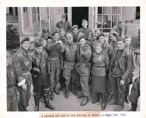 Советские и канадские военные
