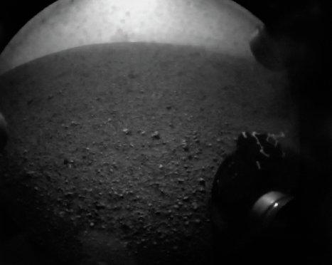 Снимок Марса, сделанный при помощи Марсохода Curiosity