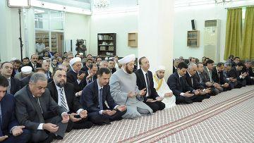 Башар Асад в мечети аль-Хамад в Дамаске