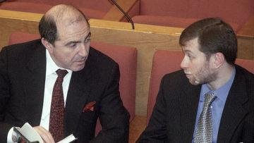 Депутаты Государственной Думы РФ Борис Березовский (слева) и Роман Абрамович