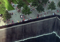 Водопад на месте фундамента разрушенной башни ВТЦ в Нью-Йорке