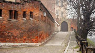 Королевский замок и ночной Краков