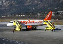 Самолет низкобюджетной авиакомпании easyJet