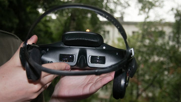 Шлем Sony Personal 3D Viewer