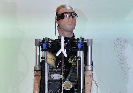 """Первый в мире """"бионический человек"""""""