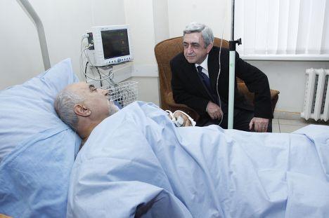 Паруйр Айрикян и Серж Саргсян