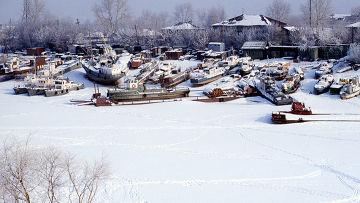 Зимняя стоянка кораблей в Тюмени
