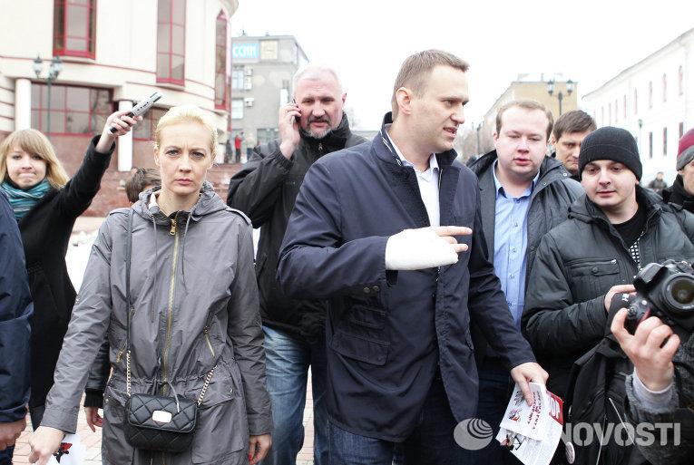 Оппозиционер Алексей Навальный после заседания Ленинского районного суда города Кирова