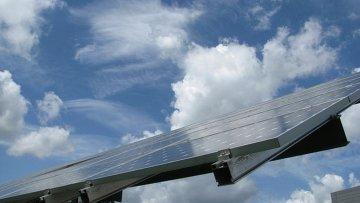 Солнечная батарея в деревне Фельдхайм (федеральная земля Бранденбург)