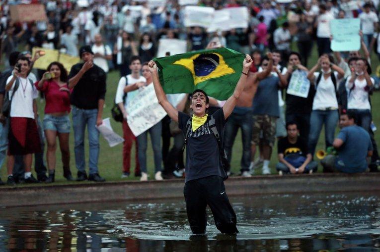 Акции протеста в Бразилии у Национального конгресса
