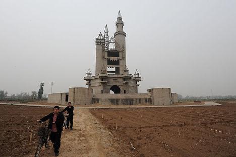 Заброшенный Диснейленд в китайской деревне Ченьцжуань