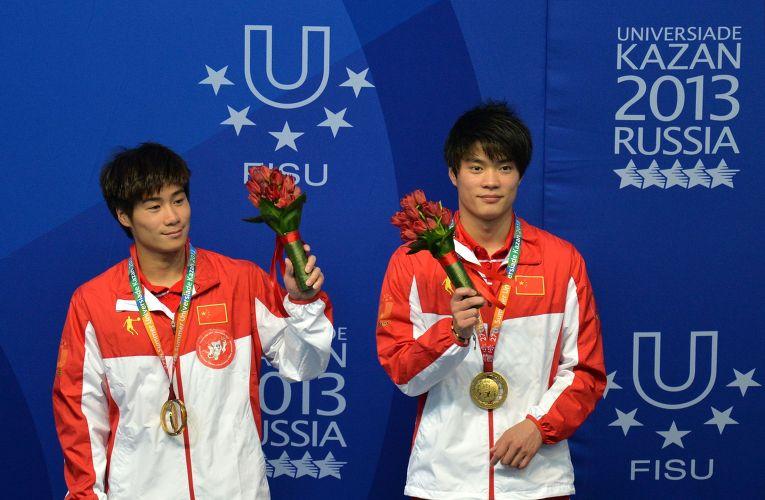 Победители соревнований по синхронным прыжкам в воду на XXVII Всемирной летней Универсиаде 2013 в Казани
