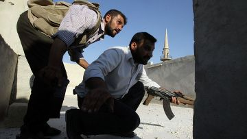 Сирийцы на задании в Алеппо