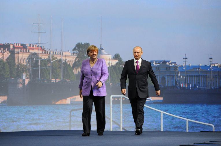 Президент России Владимир Путин и почетный гость XVII Петербургского международного экономического форума, канцлер Германии Ангела Меркель