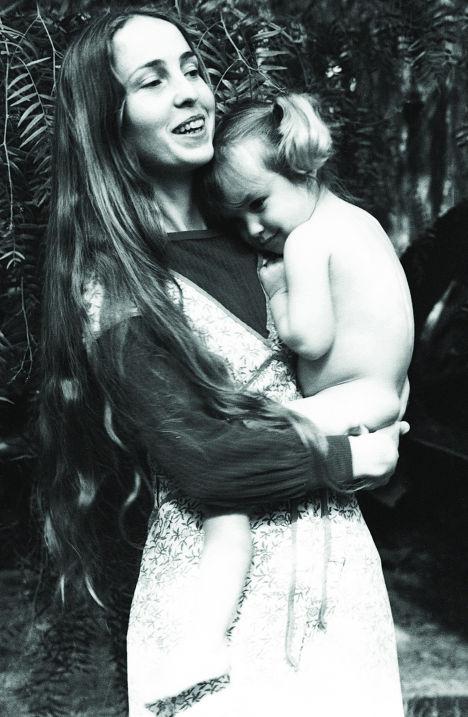 Крис-Энн Бреннан с дочкой Лизой Бреннан-Джобс