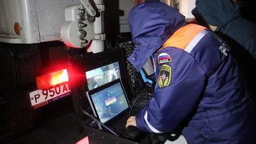 Работа спасателей на месте крушения самолета в Казани. Фото с места событий