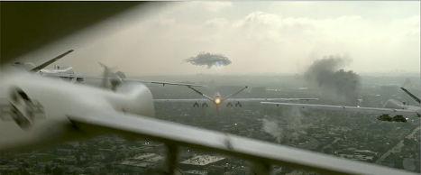 """Атака беспилотников, кадр из фильма """"Скайлайн"""""""