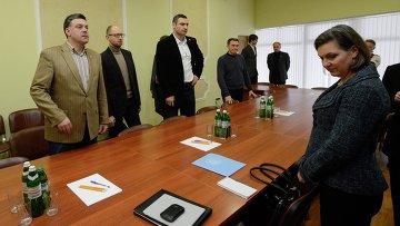 Виктория Нуланд встретилась с лидерами украинской оппозиции