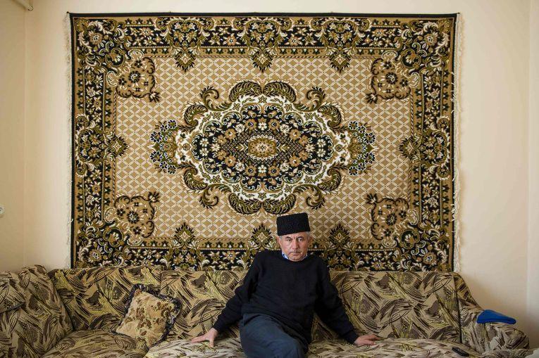 Лидер крымских татар Мустафа Асаба в доме своего друга в Белогорске