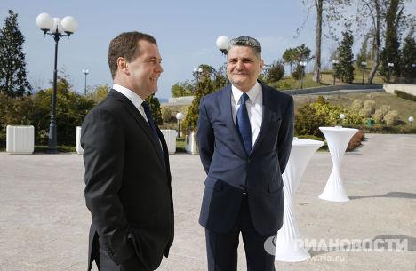 Д.Медведев провел рабочую встречу с Т.Саркисяном