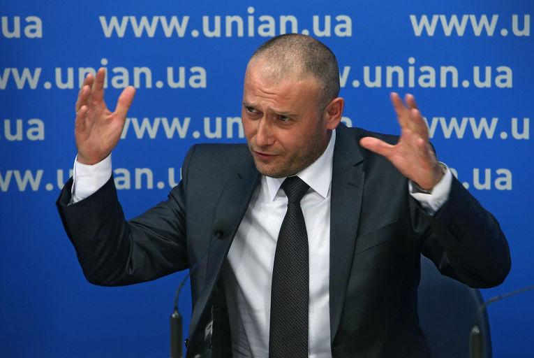 Лидер организации «Правый сектор» Дмитрий Ярош во время пресс-конференции в Киеве