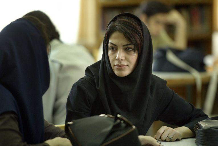 Студентки технического колледжа в Тегеране