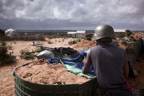 Солдат миссии АМИСОМ из Бурунди в Могадишо, Сомали