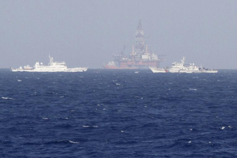 Китайская нефтяная платформа Haiyang Shiyou-981 в Южно-Китайском море