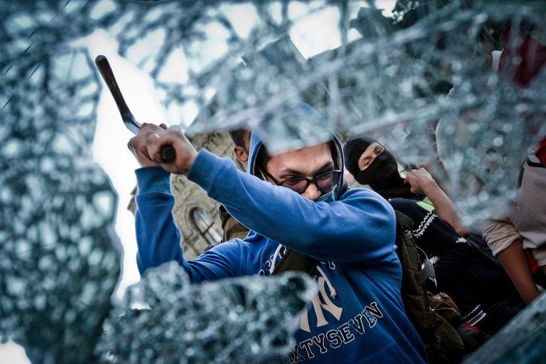 Атака на российское посольство в Киеве